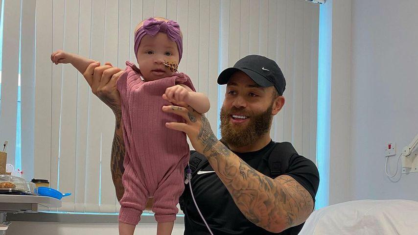 Nach zweiter Chemo: Ashley Cains Baby braucht weitere OP!