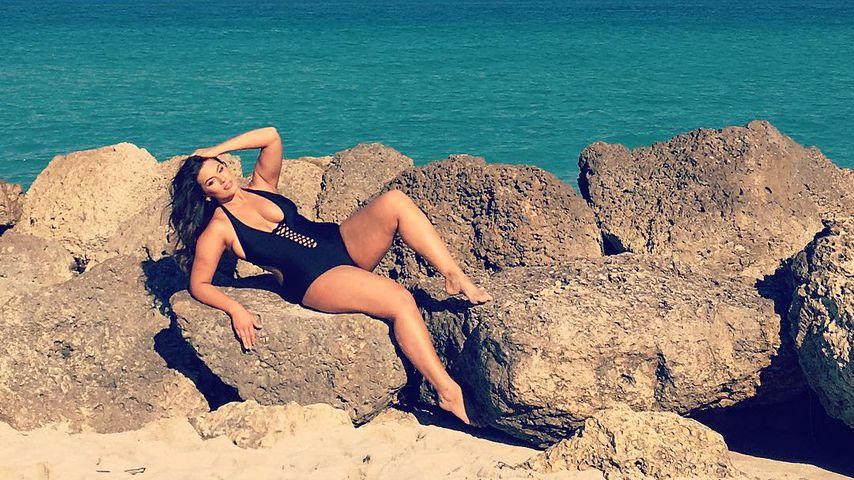 Neuer Posing-Trend: Diese Promi-Damen rocken am Meer!