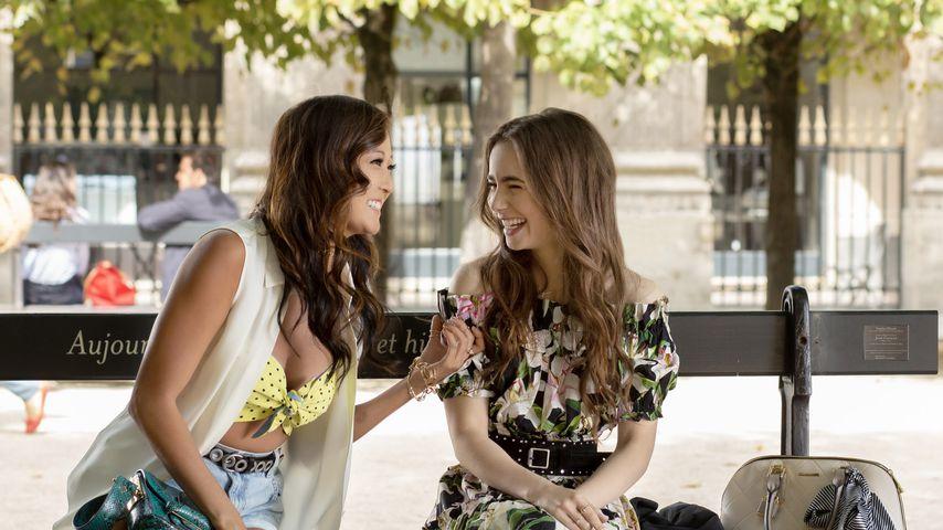 "Ashley Park und Lily Collins in ""Emily in Paris"""
