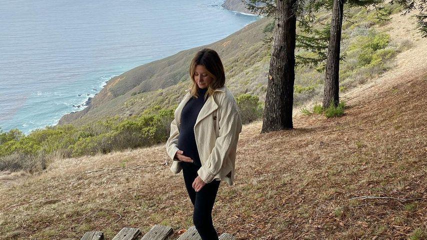 Emotionaler Ort: Ashley Tisdale zeigt ihren runden Babybauch