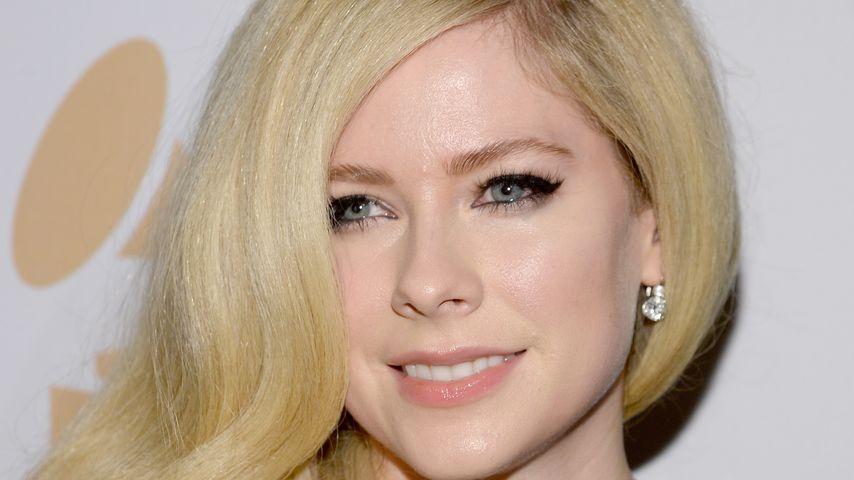 Irre Gerüchte: Avril Lavigne tot & durch Lookalike ersetzt?