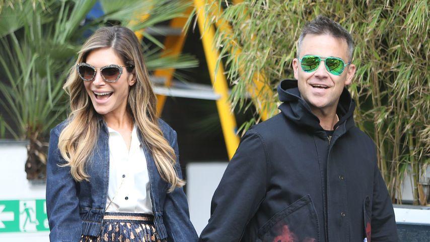 Ayda Field und Robbie Williams bei einem Spaziergang