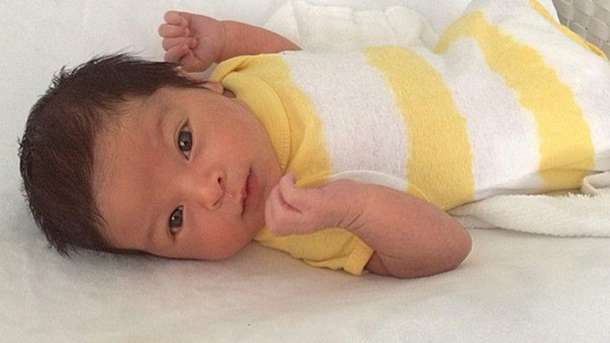 So süß: Sixpack-Baby kümmert sich nicht um Mama-Shitstorms