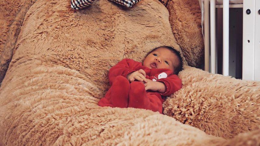 Mia Rose Harrison, Tochter von Sarah und Dominic