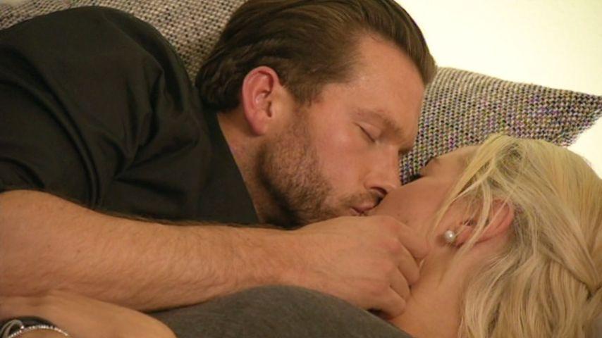 Keine Chance für Caro? Experte entlarvt Olis Küsse
