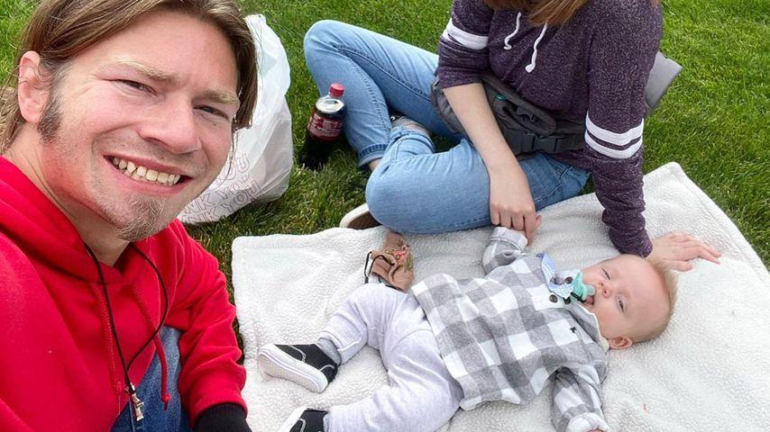 Bear Brown, Raiven Adams und ihr Sohn River im September 2020