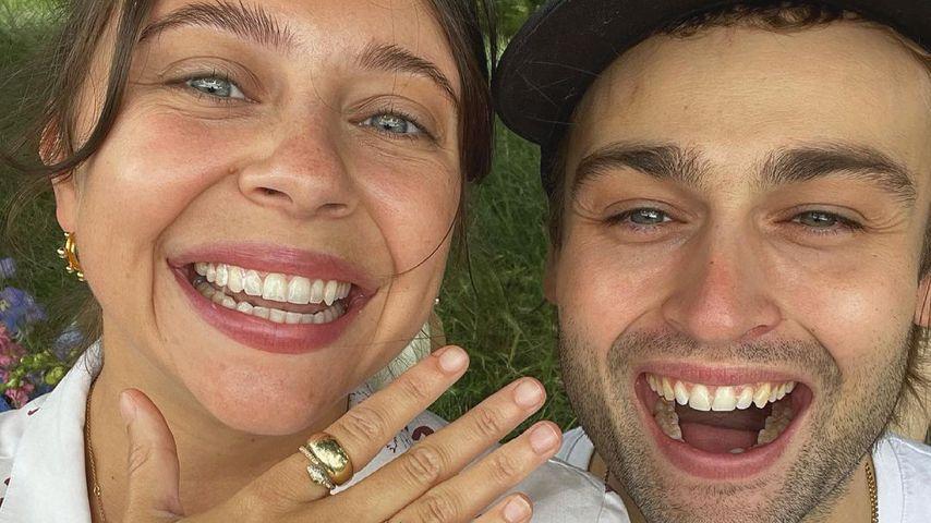Großer Klunker: Schauspiel-Hottie Douglas Booth ist verlobt