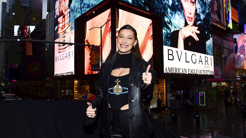 Bella Hadid am Times Sqaure, New York City
