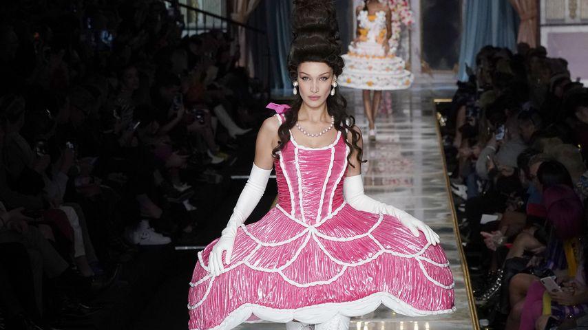 Bella Hadid auf der Fashion Week in Mailand, 2020