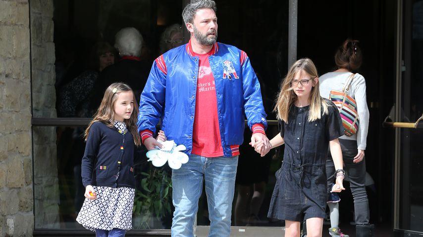 Ben Affleck mit seinen beiden Töchtern