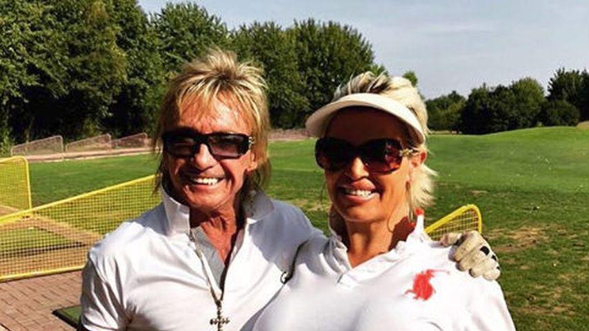 Auf dem Golfplatz: Nippel-Alarm bei Bert Wollersheims Ginger