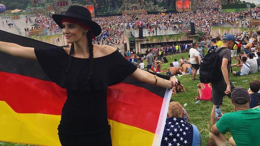 Beim Tomorrowland: Betty Taube verbreitet Deutschland-Liebe