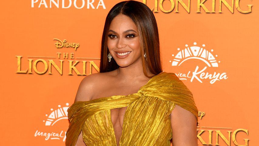 Hot or not? Beyoncé Knowles flasht mit hautengem Gold-Kleid!