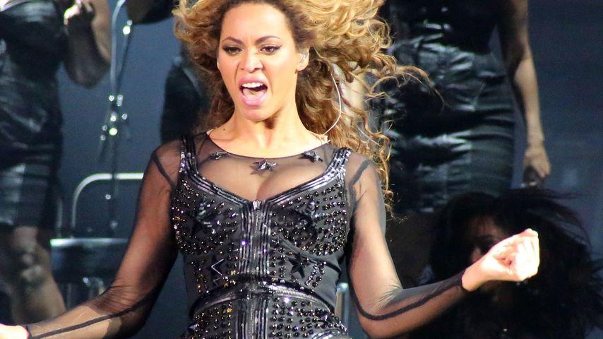 Oje! Beyoncé in Ägypten aus Pyramide geworfen