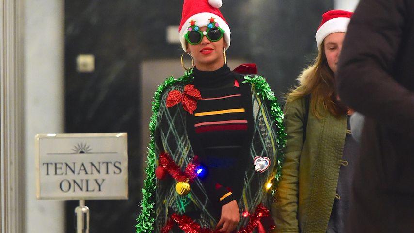 """Schön ist anders! Die Stars im """"ugly Christmas Sweater""""-Look"""