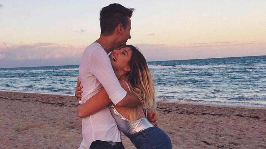 Bibi Heinicke und ihr Freund Julian Claßen am Strand