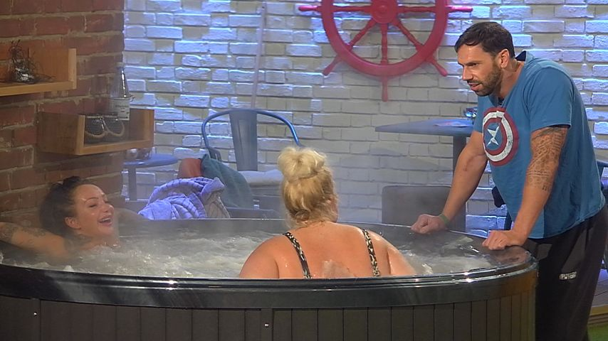 Big Brother: Heißer Sex-Talk im Whirlpool