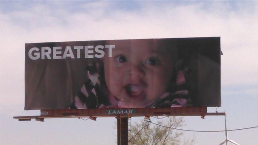 Billboard mit Alexis Olympia Ohanian Jr.