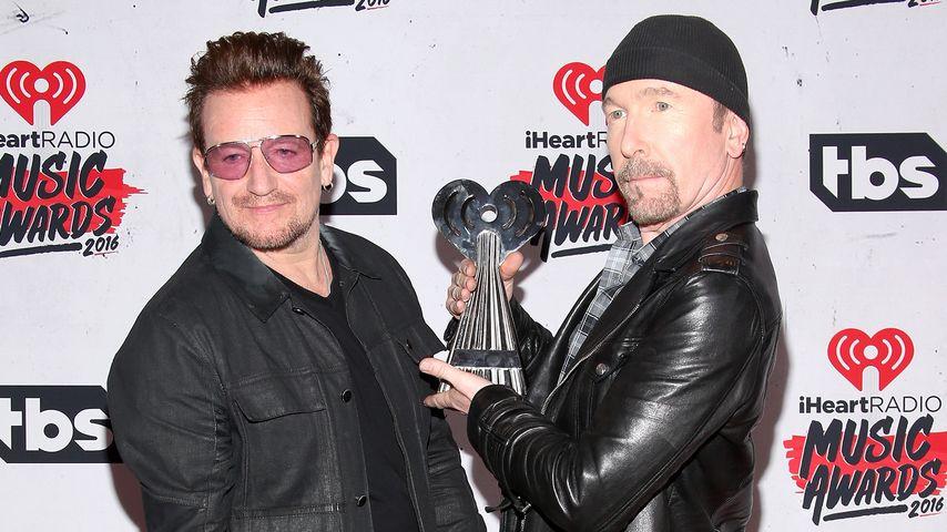 """Bono und The Edge von U2 bei den """"iHeart Radio Music Awards"""" in Los Angeles"""