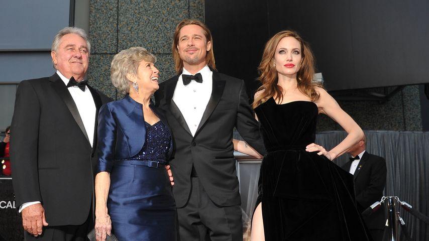 William und Jane Pitt, Brad Pitt und Angelina Jolie bei den Oscars 2012
