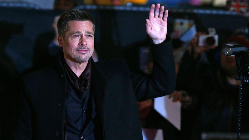 Erstes Foto! Ist das Brad Pitts Ehering?