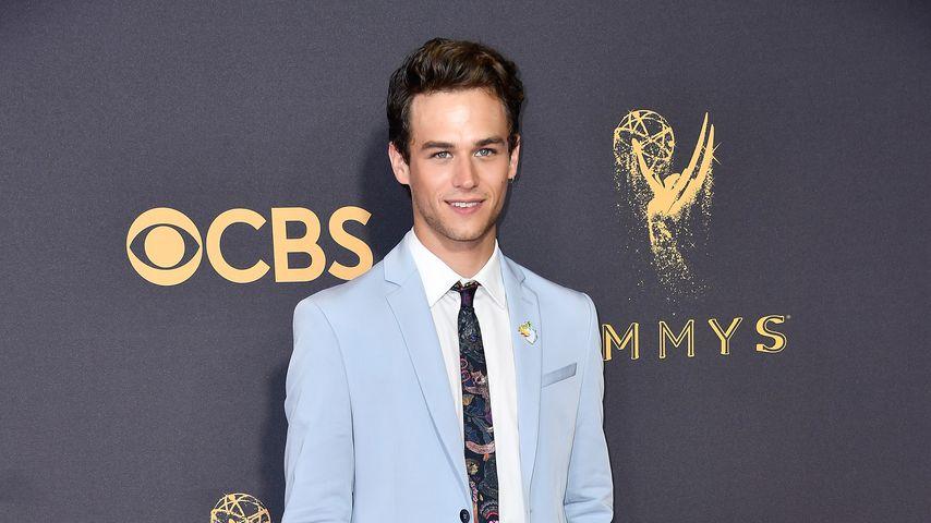 Brandon Flynn bei dem Emmy Awards 2017