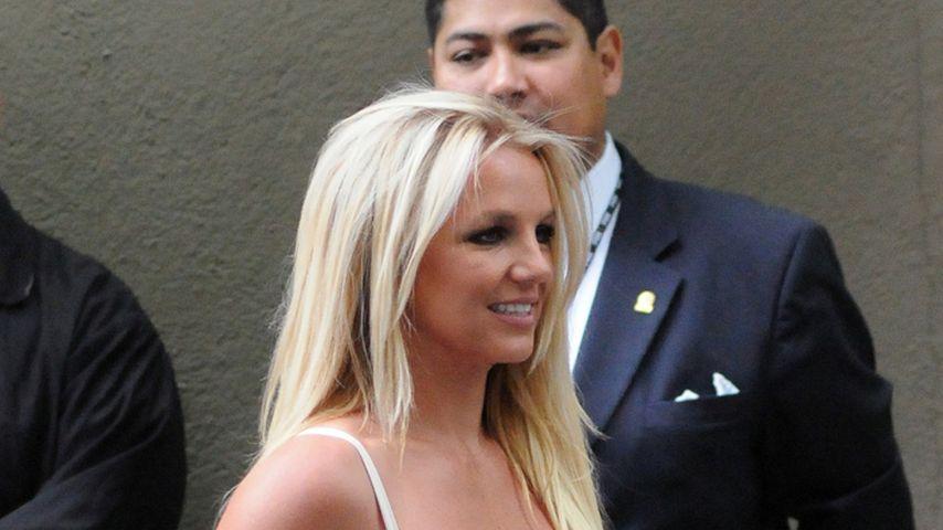 Britney Spears hat starke Cellulite am Bein