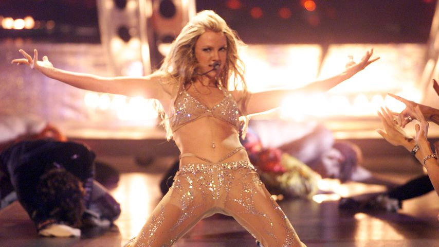 Britney Spears bei den MTV Video Music Awards im Jahr 2000