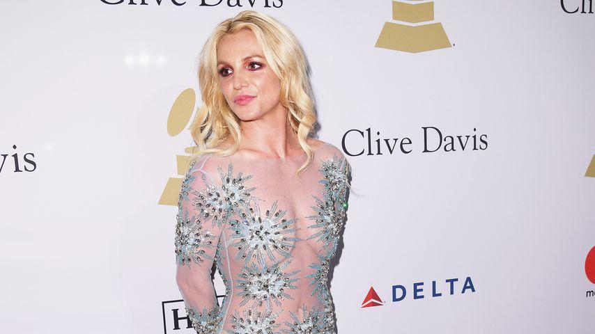 Nach Klinik-Einweisung: Britney beim Friseur gespotted!