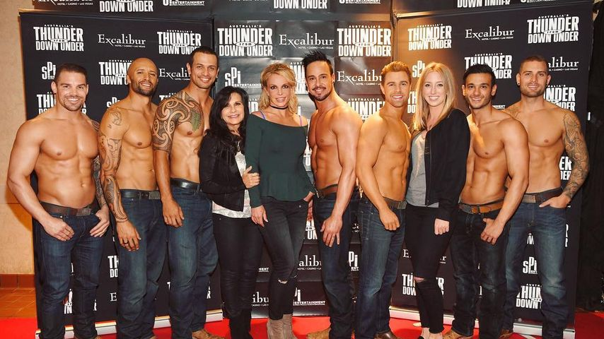 Ladies' Night: Britney Spears mit Mama im Stripschuppen