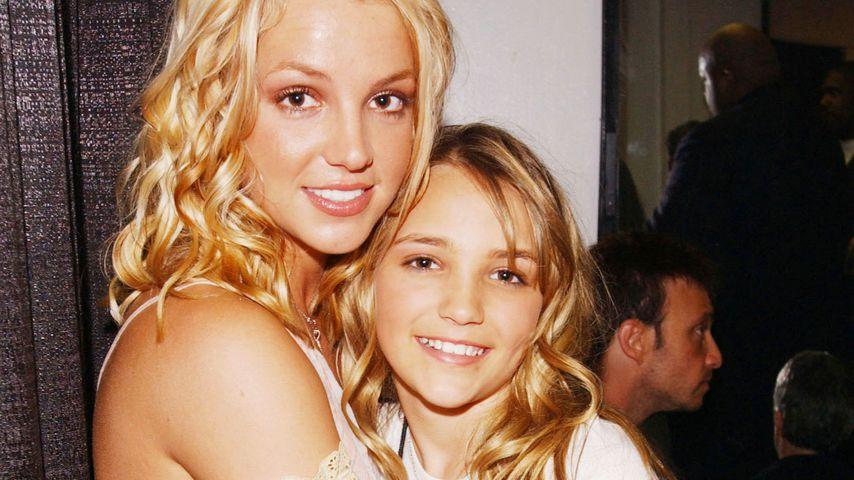 Britney und ihre Schwester Jamie Lynn Spears bei den Kid's Choice Awards in Santa Monica 2003