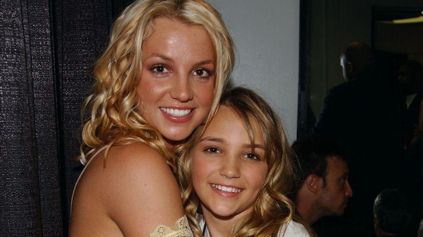 Britney und Jamie Lynn Spears in Santa Monica 2003