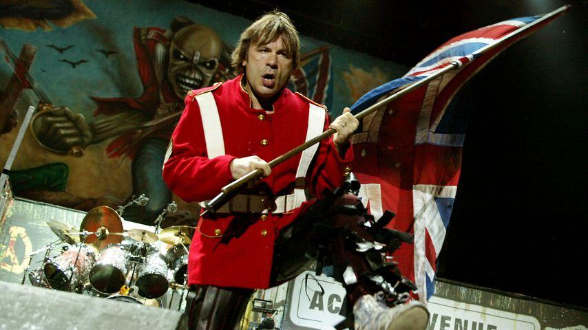Paradox: Iron Maiden-Frontmann warnt Fans vor Headbanging
