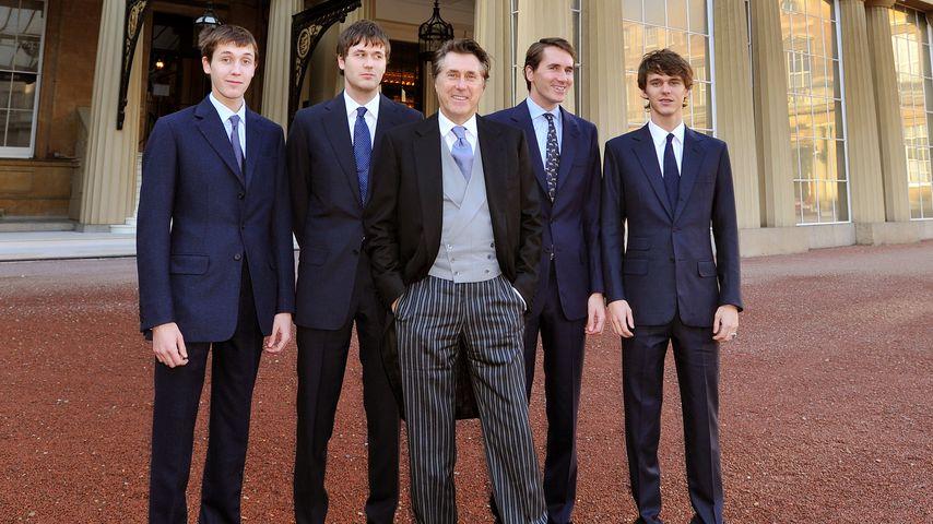 Bryan Ferry (Mitte) mit seinen Söhnen Merlin, Isaac, Tara und Otis (v.l.n.r.)