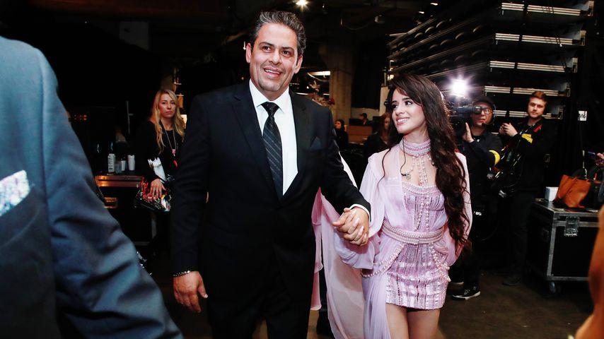 Camila Cabellos Vater und Camila bei den Grammys 2020