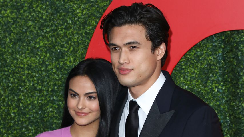 Camila Mendes und Charles Melton bei der GQ Men Of The Year Party, 2018