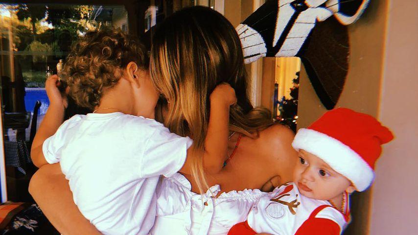 Candice Swanepoel mit ihren beiden Söhnen Anacan und Ariel
