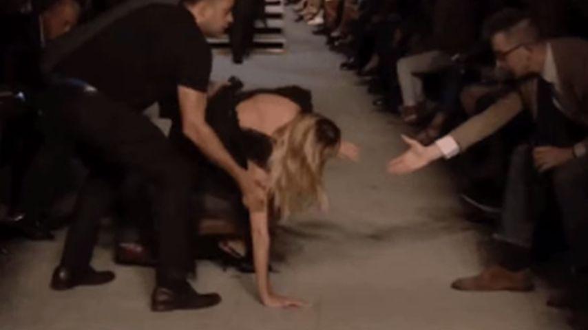 Candice Swanepoel: Krasser Sturz auf dem Catwalk!