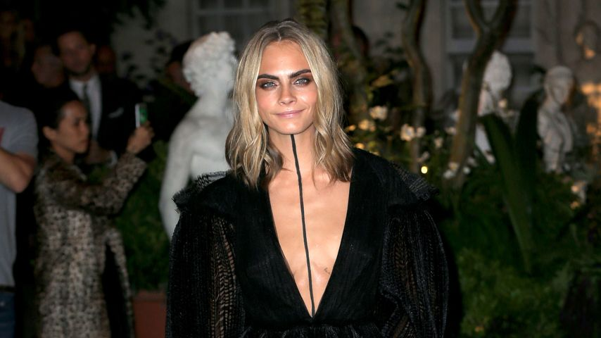 Cara Delevingne im September 2016 bei der Burberry-Show in London