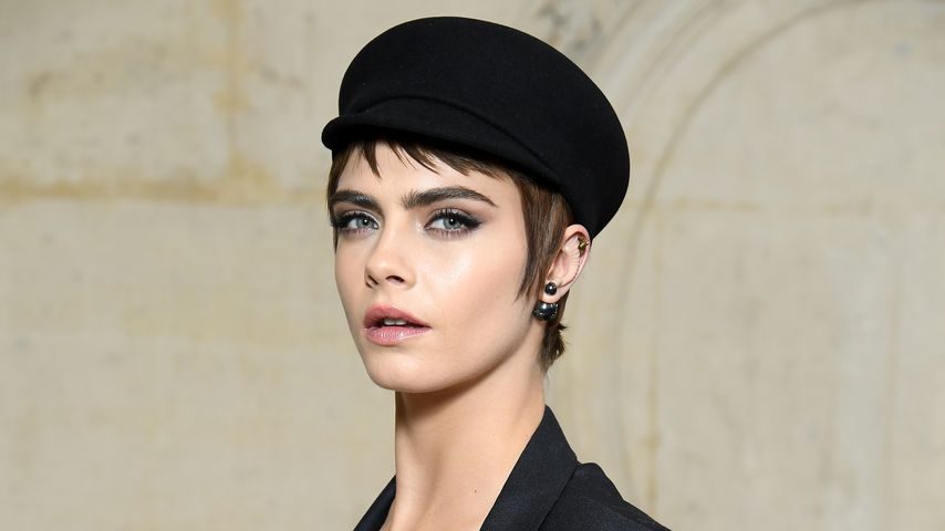 Cara Delevingne auf der Paris Fashion Week 2018