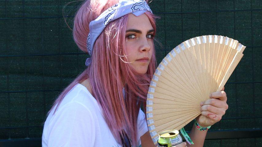 Rosa Rockerin: Cara Delevingne verblüfft mit neuem Look