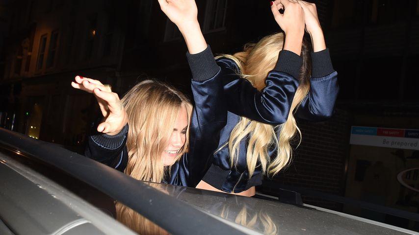 Cara Delevingne und Margot Robbie unterwegs in London