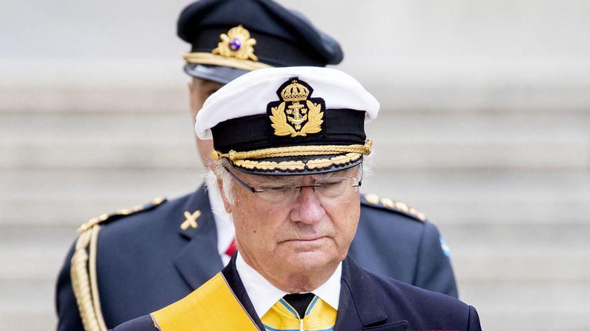 Schwedischer König Carl Gustaf zollt Prinz Philip Tribut!
