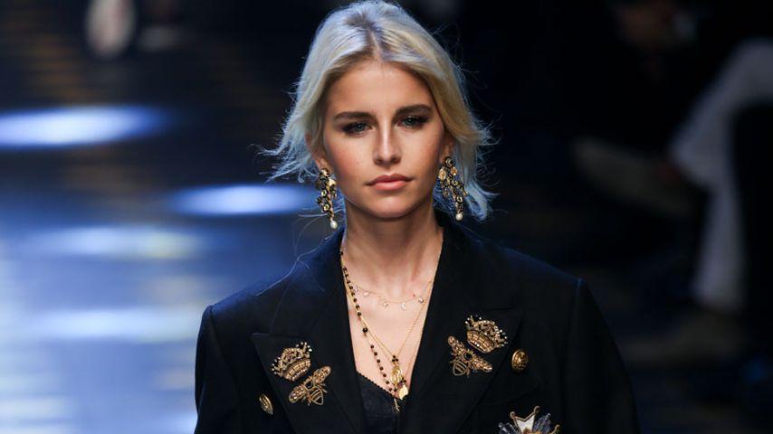 """Caro Daur bei ihrem Lauf für """"Dolce & Gabbana"""""""