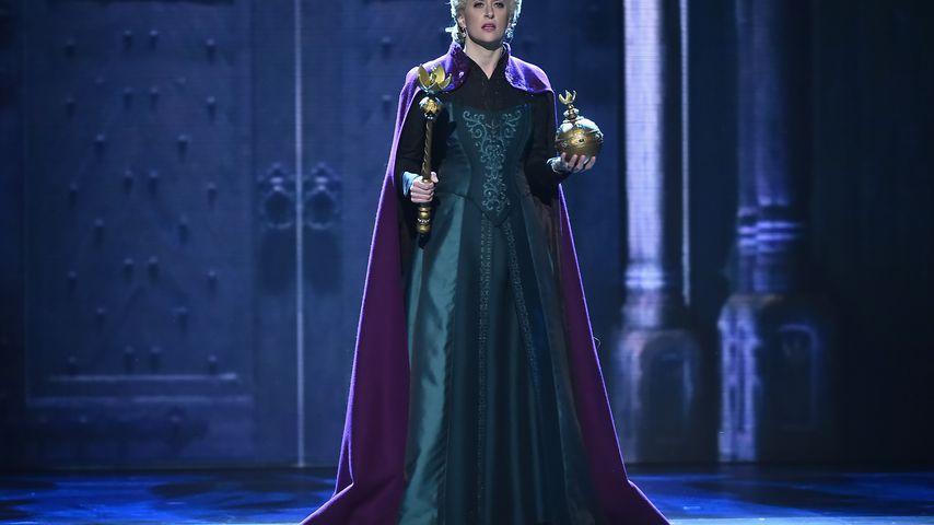 """Cassie Levy als Elsa im """"Frozen""""-Musical"""