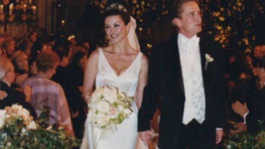 Catherine Zeta-Jones und Michael Douglas am Tag ihrer Hochzeit