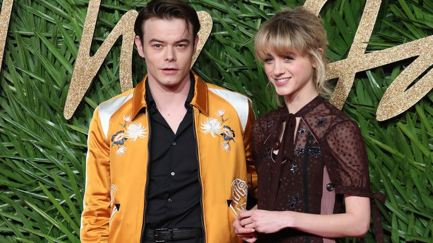 Charlie Heaton und Natalia Dyer bei den London Fashion Awards 2017
