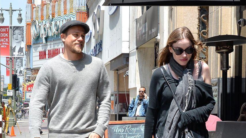 Charlie Hunnam mit seiner Freundin Morgana McNelis