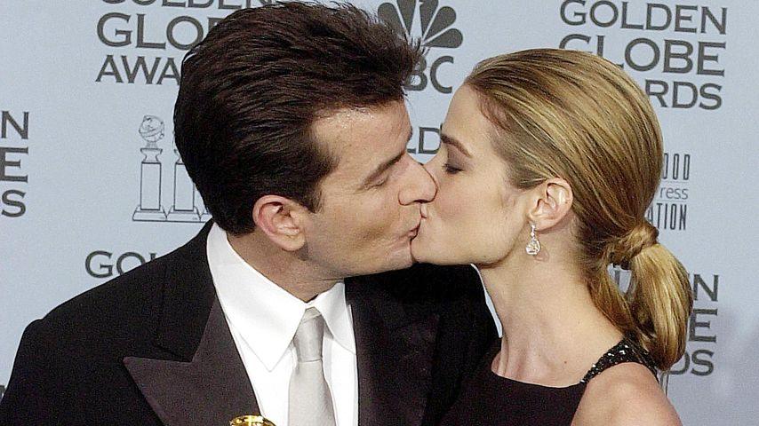 Charlie Sheen und Denise Richards 2002