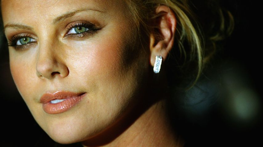 Charlize Theron 2004
